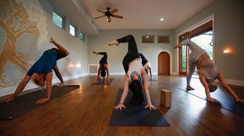 Top 5 Yoga Studios in India For Refreshing Yoga Experience